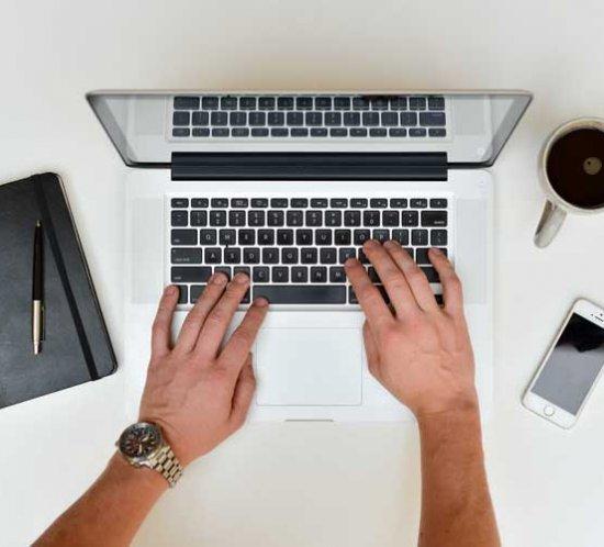 Darbo paieška socialiniuose tinkluose